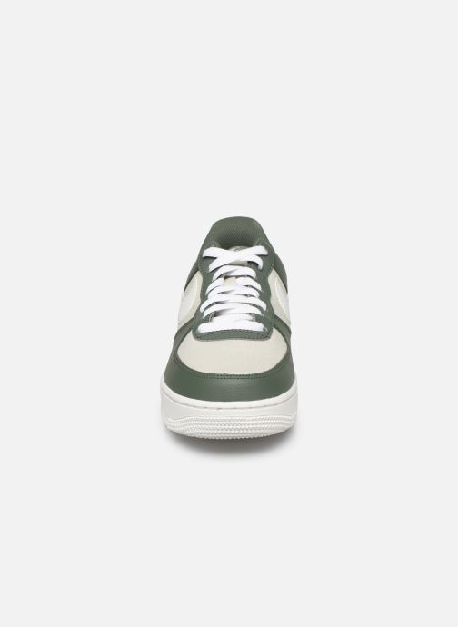 Trainers Nike Air Force 1 '07 1 Green model view