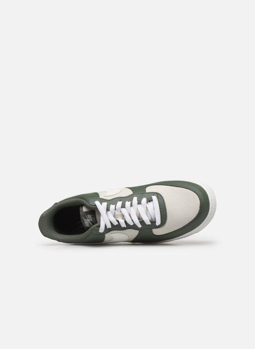 Sneaker Nike Air Force 1 '07 1 grün ansicht von links