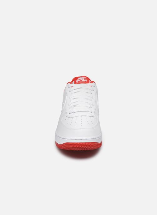 Baskets Nike Air Force 1 '07 1 Blanc vue portées chaussures