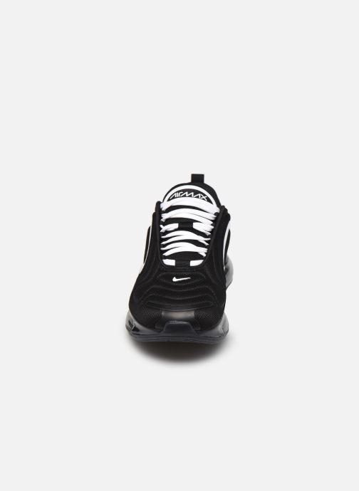 Sneaker Nike Air Max 720 schwarz schuhe getragen