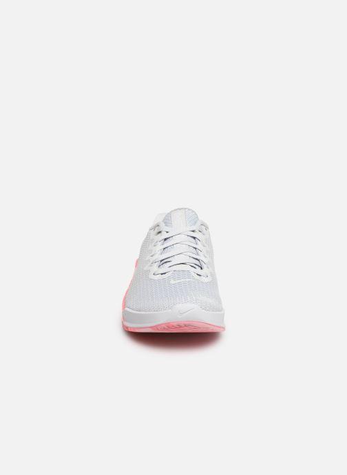 Zapatillas de deporte Nike Wmns Nike Metcon 5 Gris vista del modelo