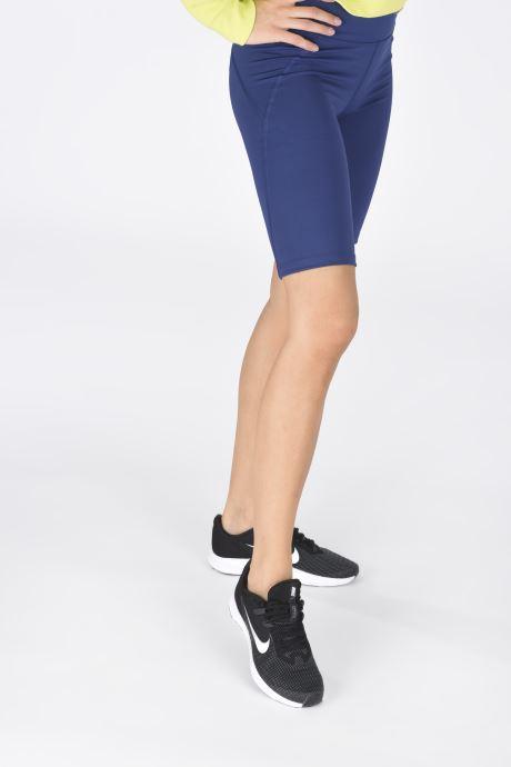 Chaussures de sport Nike Wmns Nike Downshifter 9 Noir vue bas / vue portée sac