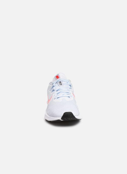 Chaussures de sport Nike Wmns Nike Downshifter 9 Blanc vue portées chaussures