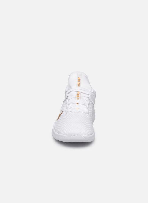 Zapatillas de deporte Nike Wmns Nike Air Max Bella Tr 2 Blanco vista del modelo