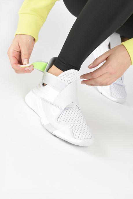 Chaussures de sport Nike Wmns Nike Zoom Elevate 2 Gris vue bas / vue portée sac