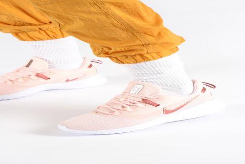 Chaussures de sport Nike Wmns Nike Renew Rival 2 Rose vue bas / vue portée sac