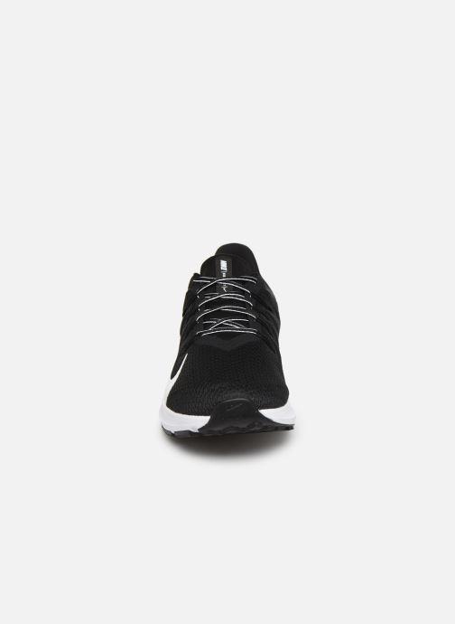 Chaussures de sport Nike Nike Quest 2 Noir vue portées chaussures