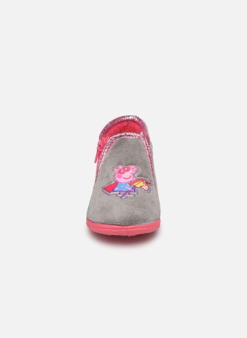 Chaussons Peppa Pig Pp Pakdo Gris vue portées chaussures