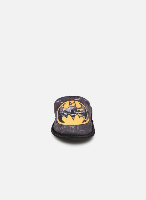 Pantofole Batman Bat Beethov Grigio modello indossato