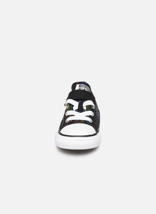 Baskets Converse Chuck Taylor All Star 1V All Of The Stars Ox Noir vue portées chaussures