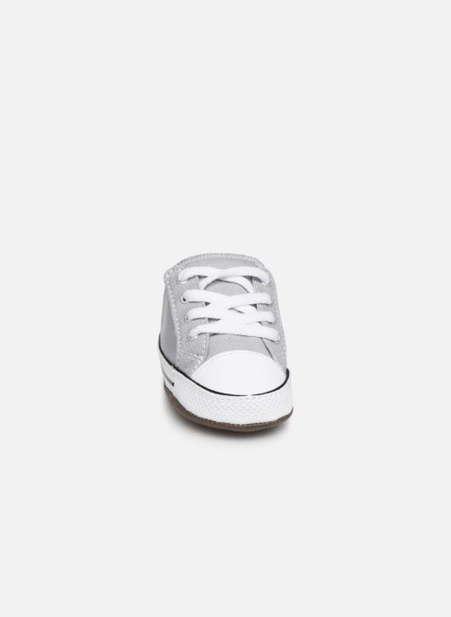 Baskets Converse Chuck Taylor All Star Cribster Canvas Mid Gris vue portées chaussures