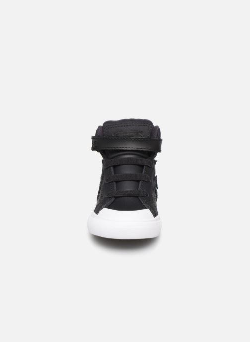 Baskets Converse Pro Blaze Strap Martian Hi E Noir vue portées chaussures