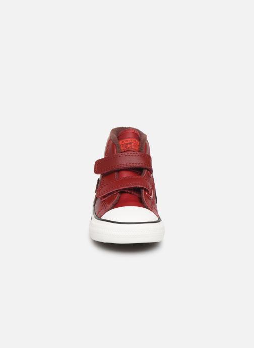 Sneakers Converse Star Player 2V Asteroid Mid Röd bild av skorna på