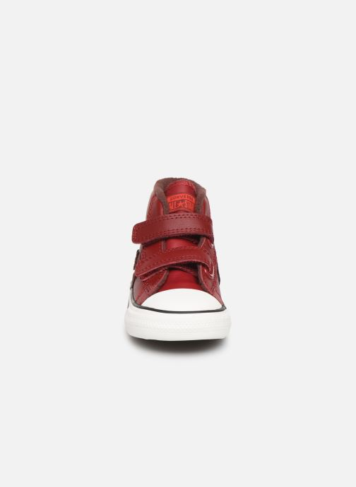 Baskets Converse Star Player 2V Asteroid Mid Rouge vue portées chaussures
