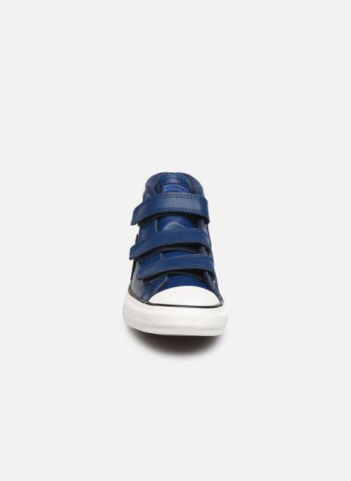 Sneakers Converse Star Player 3V Asteroid Mid Azzurro modello indossato