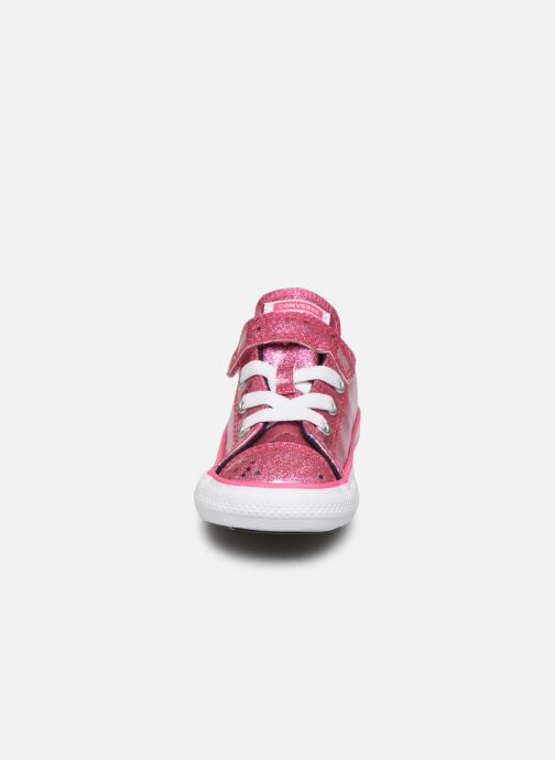 Baskets Converse Chuck Taylor All Star 1V Galaxy Glimmer Ox Rose vue portées chaussures
