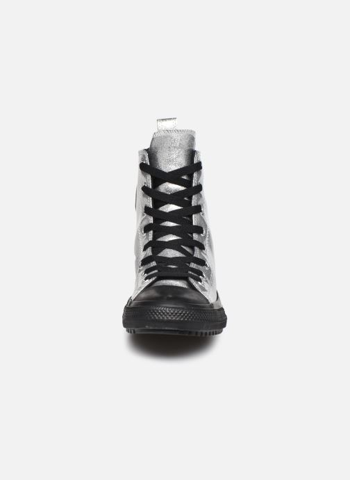 Baskets Converse Chuck Taylor All Star Boot Coated Glitter Xhi Gris vue portées chaussures