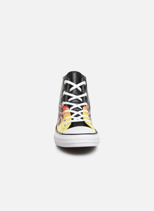 Sneakers Converse Chuck Taylor All Star Flame Hi Nero modello indossato