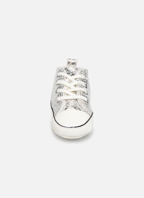 Sneakers Converse Chuck Taylor All Star First Star Metallic Snake Hi Argento modello indossato