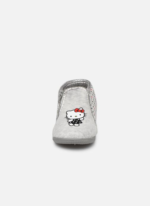 Pantofole Hello Kitty Hk Ambrai Grigio modello indossato