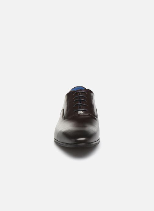 Scarpe con lacci Marvin&Co Manao Marrone modello indossato