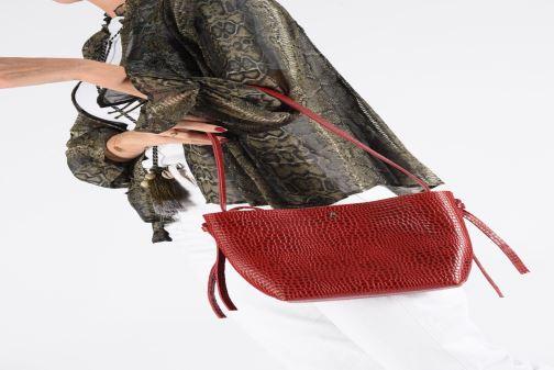Handtaschen Craie COUTUME schwarz ansicht von unten / tasche getragen