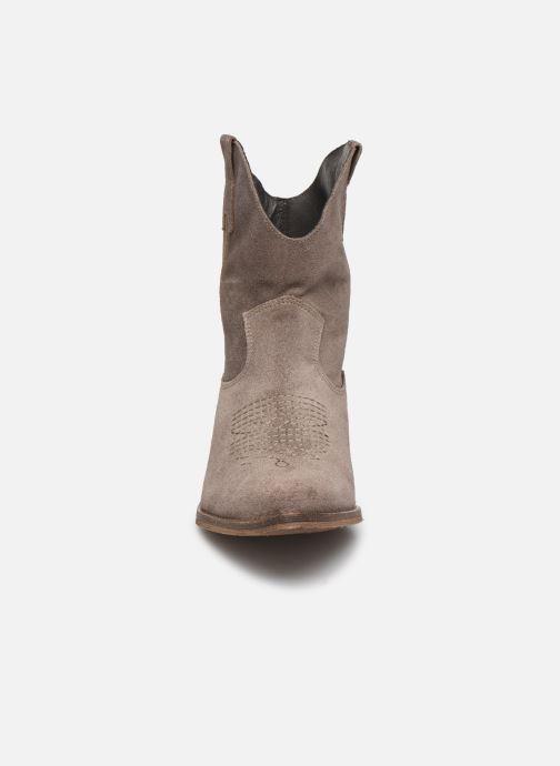 Bottines et boots Georgia Rose Acheyen Beige vue portées chaussures