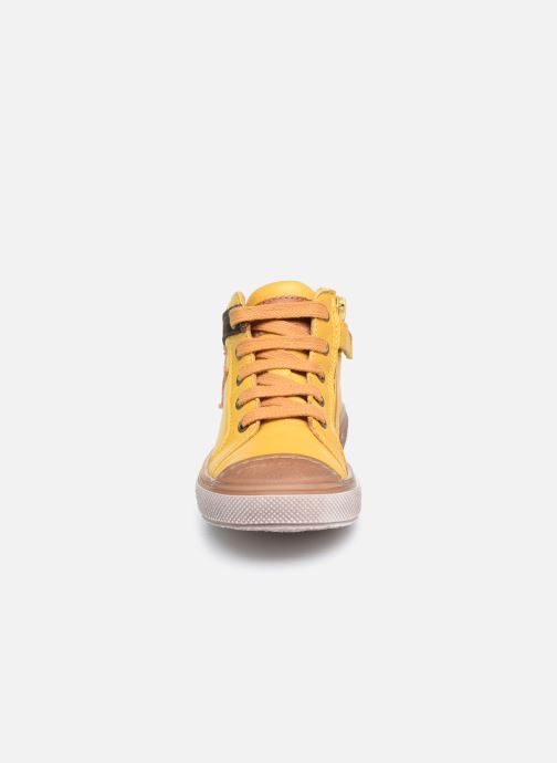 Baskets Bisgaard Holger Jaune vue portées chaussures