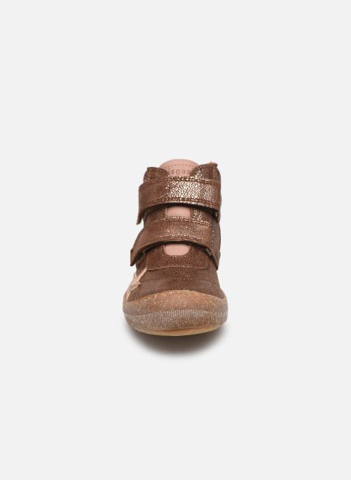 Sneakers Bisgaard Jamie Marrone modello indossato