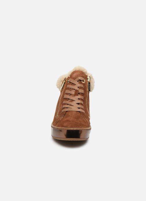 Sneakers JB MARTIN IMPI Marrone modello indossato