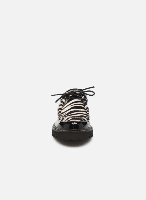 Scarpe con lacci JB MARTIN MACHA Nero modello indossato