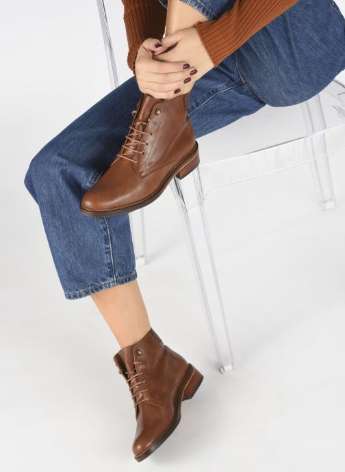 Ankle boots Schmoove Woman Candide Desert Boots Brown view from underneath / model view