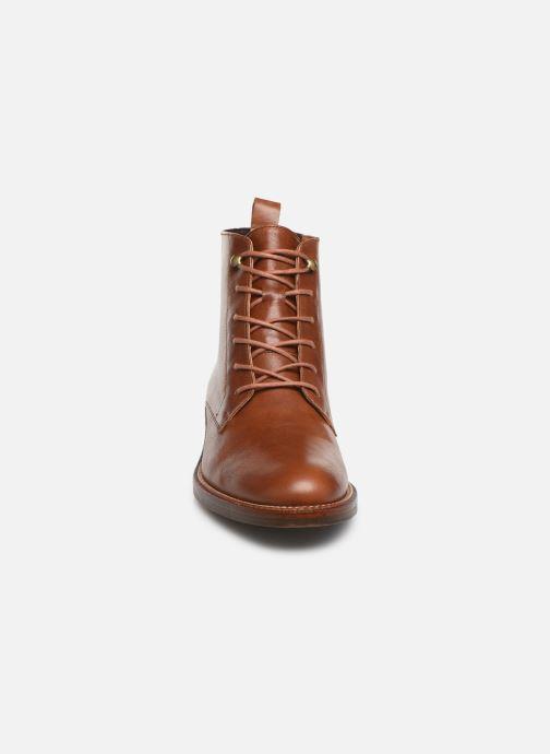 Bottines et boots Schmoove Woman Candide Desert Boots Marron vue portées chaussures