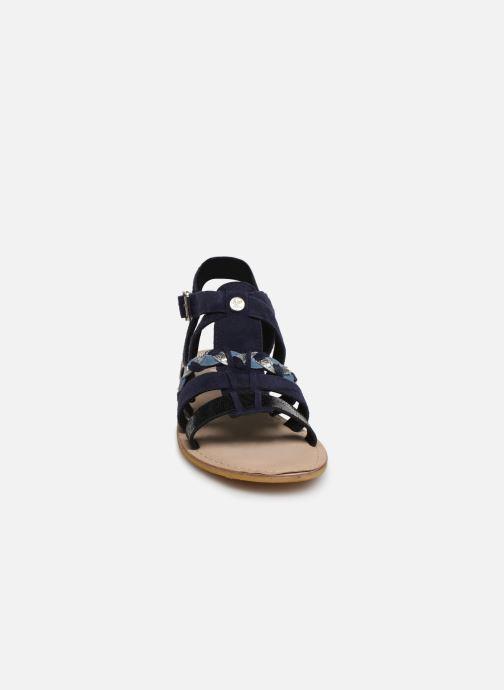 Sandali e scarpe aperte Initiale Paris Maya Azzurro modello indossato