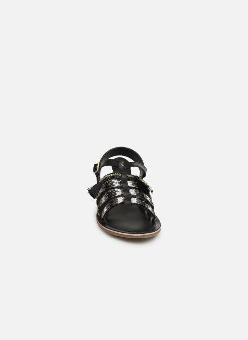 Sandali e scarpe aperte Initiale Paris Nastasia Nero modello indossato