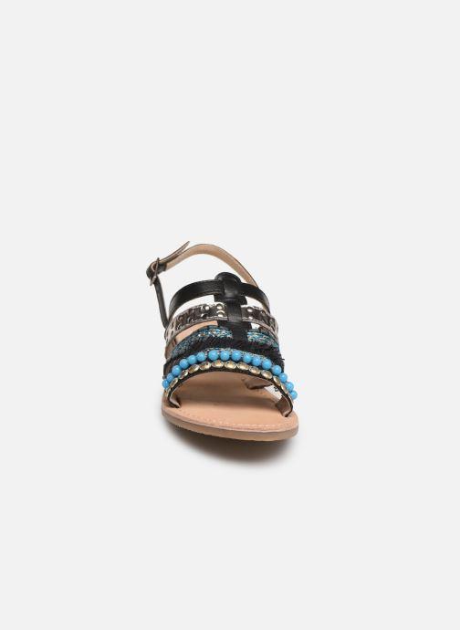 Sandalen Initiale Paris Noreen schwarz schuhe getragen
