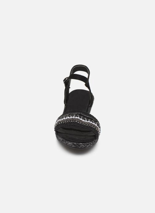 Sandali e scarpe aperte Initiale Paris Tami Nero modello indossato