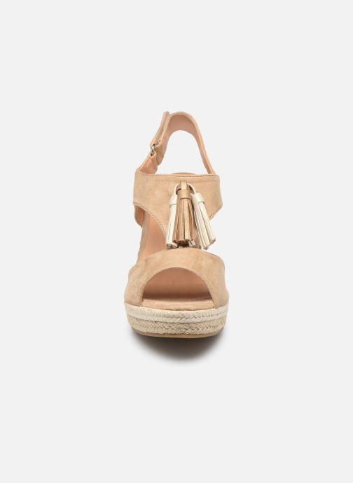 Sandales et nu-pieds Initiale Paris Tatami Beige vue portées chaussures