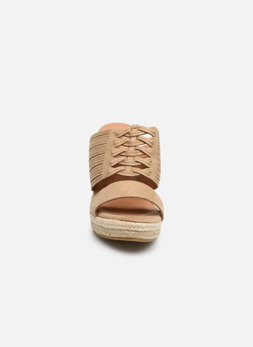 Sandalen Initiale Paris Tatanka beige schuhe getragen