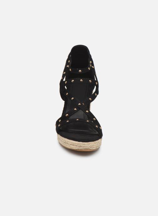 Sandales et nu-pieds Initiale Paris Tom Noir vue portées chaussures