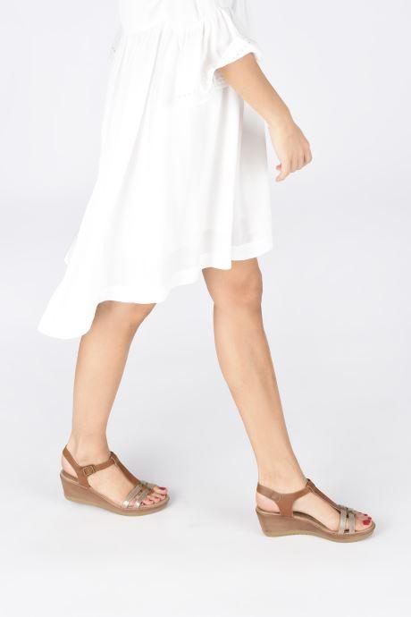Sandalen Initiale Paris Tya braun ansicht von unten / tasche getragen