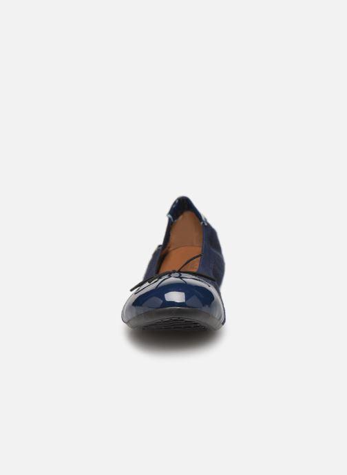 Ballerines Initiale Paris Shijeki Bleu vue portées chaussures