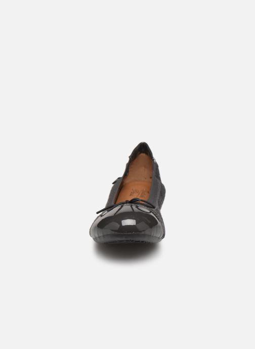 Ballerines Initiale Paris Shijeki Gris vue portées chaussures