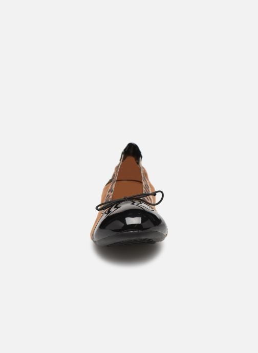 Ballerines Initiale Paris Shijeki Marron vue portées chaussures