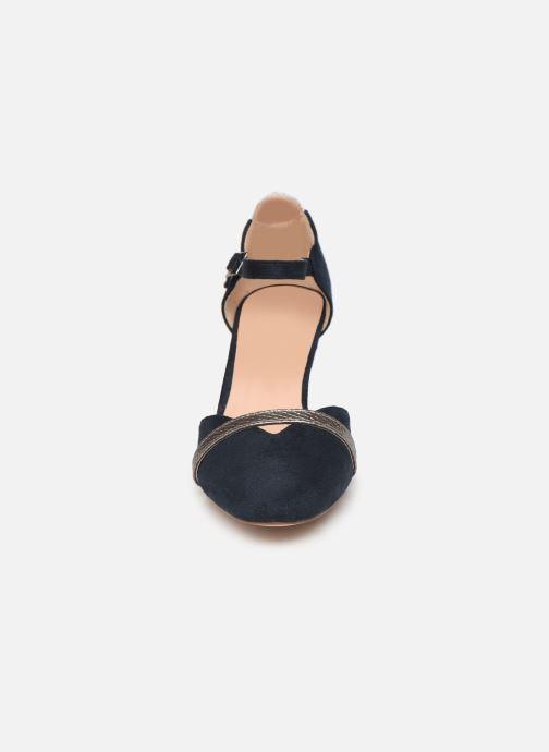 Zapatos de tacón Initiale Paris Tiaga Azul vista del modelo