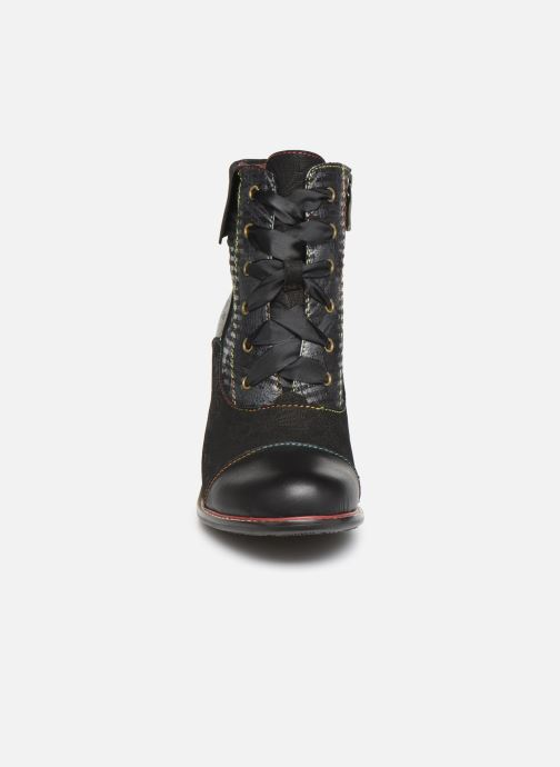 Ankle boots Laura Vita EVCAO 11 Black model view