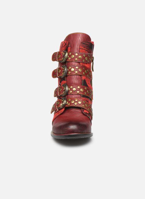 Bottines et boots Laura Vita EVCAO 03 Rouge vue portées chaussures