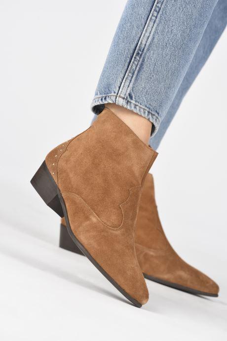 Bottines et boots Georgia Rose Cloutilo Marron vue bas / vue portée sac