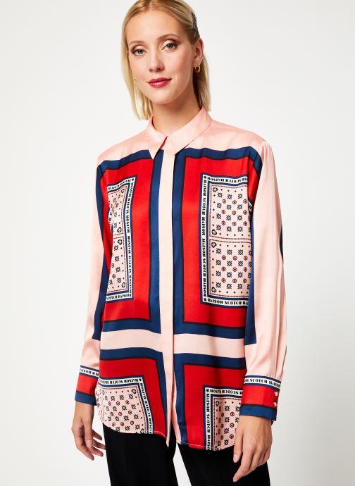 Vêtements Maison Scotch Button up shirt with bandana print Rose vue détail/paire
