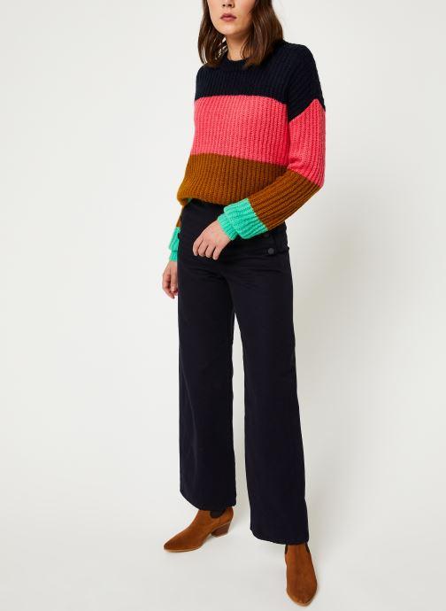 Vêtements Scotch & Soda Colour block crewneck  pullover Noir vue bas / vue portée sac